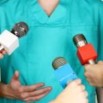 Lekarz w mediach Fot 123RF